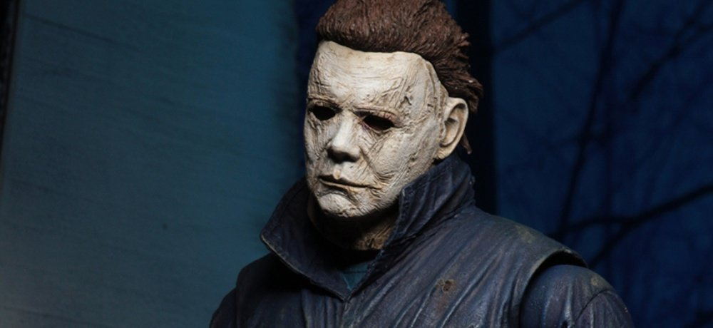 the shape is in san diego in more ways than one this week in addition to being featured at universals hall h panel at comic con michael myers is also
